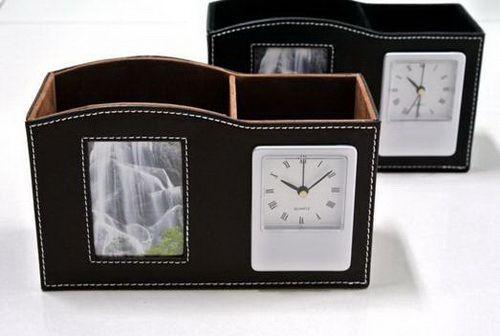 นาฬิกากล่องหนัง